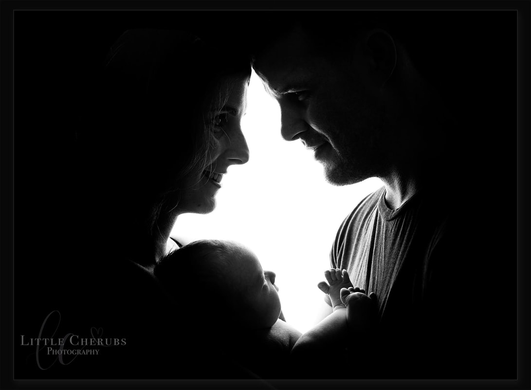 cool black and white silouhette photograph professional family photographer cambridge peterborough near me little cherubs