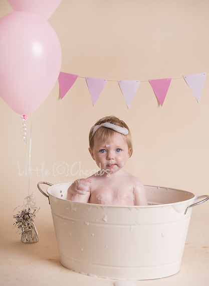 cake smash and splash photography march cambridgeshire