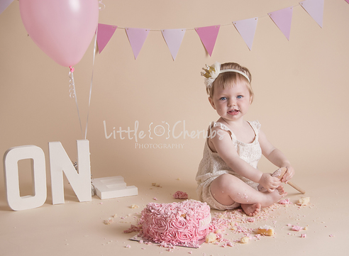 March Cambridgeshire Cake Smash Photography